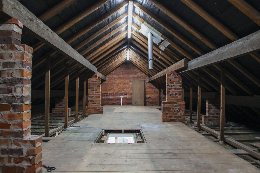 2 Bedroom Semi-detached Bungalow Bungalow To Rent - Image 9