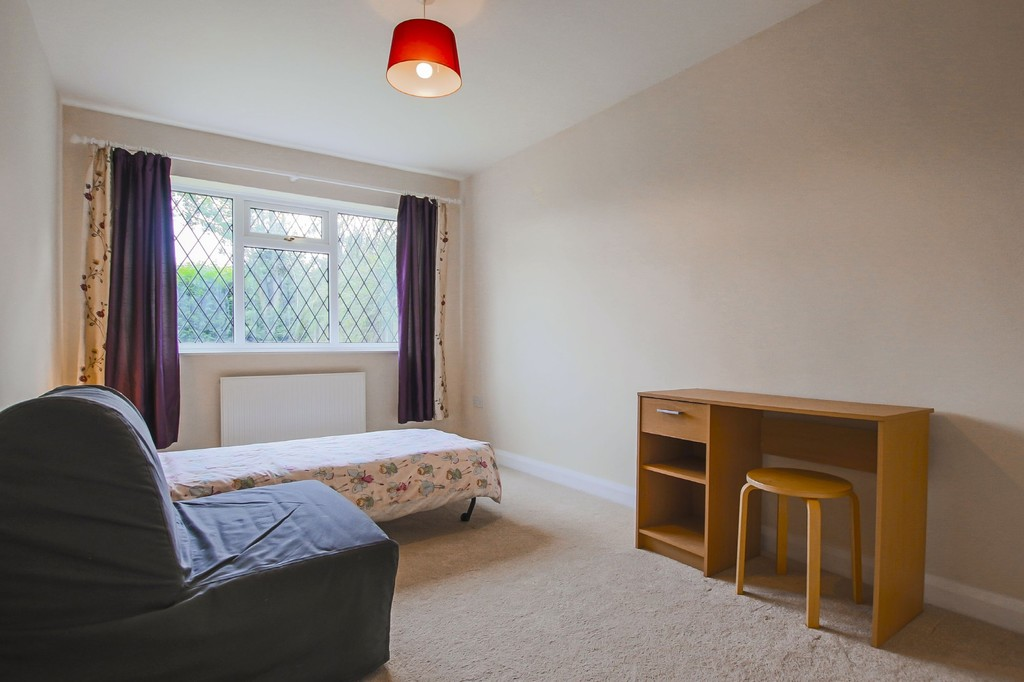 2 Bedroom Semi-detached Bungalow Bungalow To Rent - Image 12