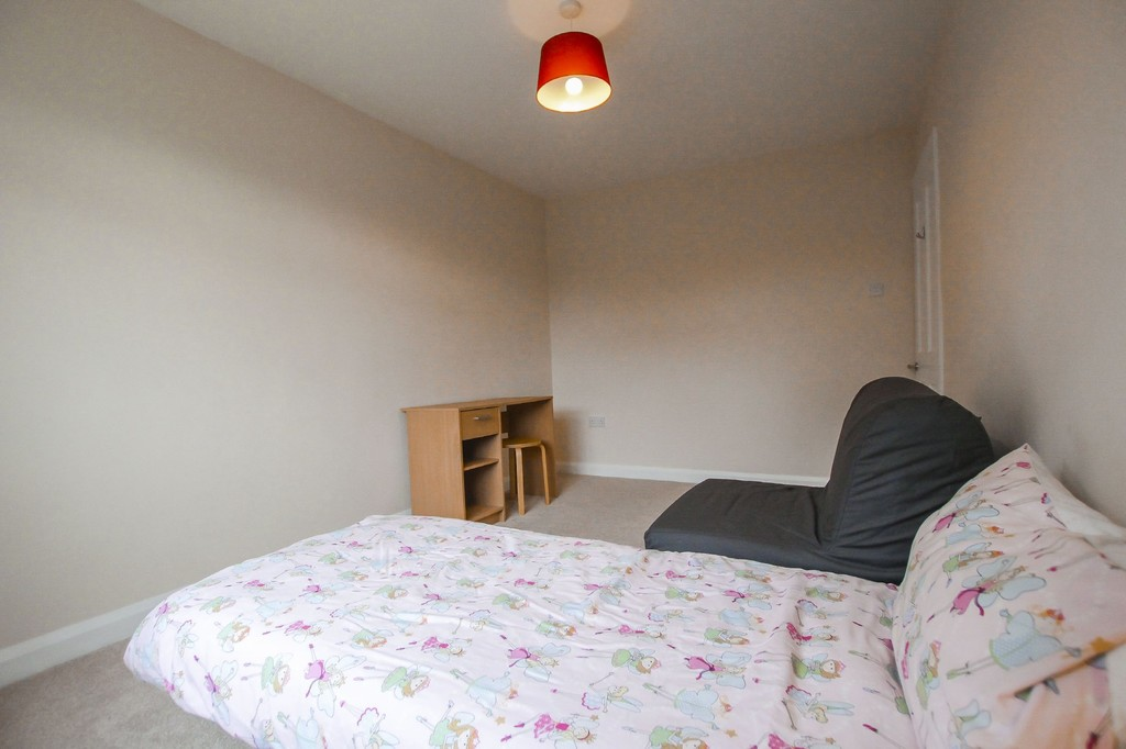 2 Bedroom Semi-detached Bungalow Bungalow To Rent - Image 15
