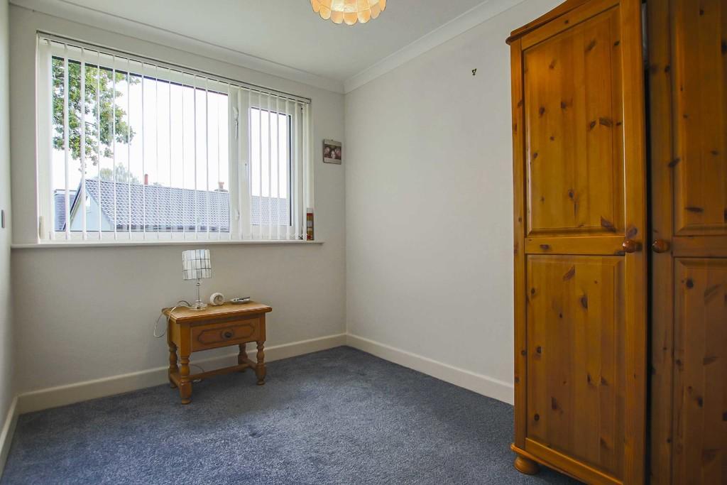 4 Bedroom Detached Bungalow Bungalow To Rent - Image 12