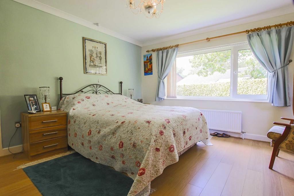 4 Bedroom Detached Bungalow Bungalow To Rent - Image 7