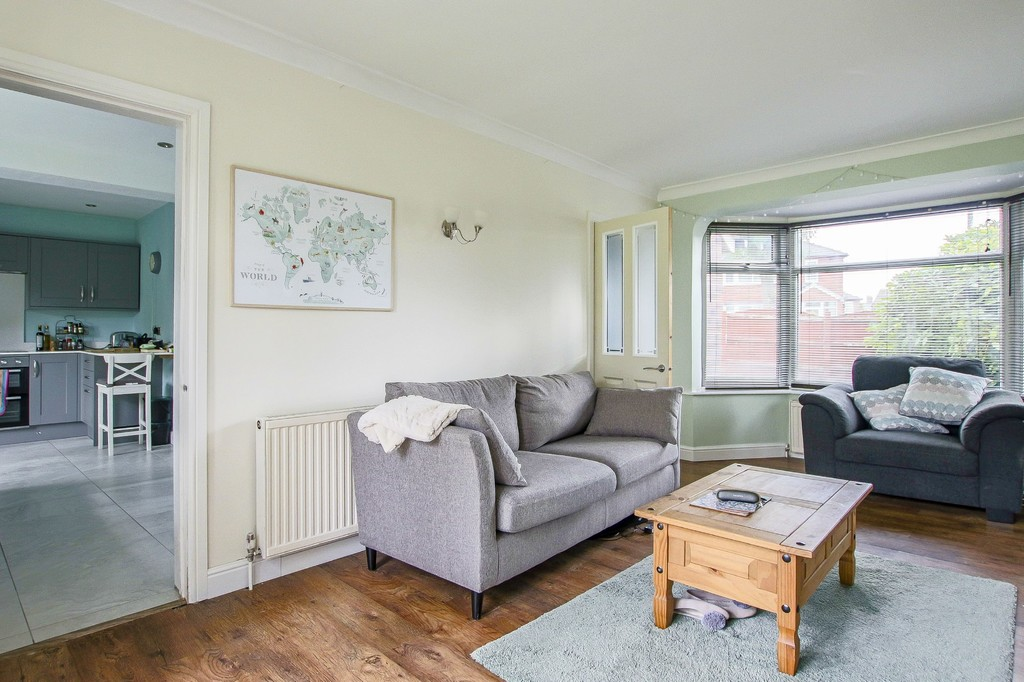 4 Bedroom Semi-detached House To Rent - Image 17