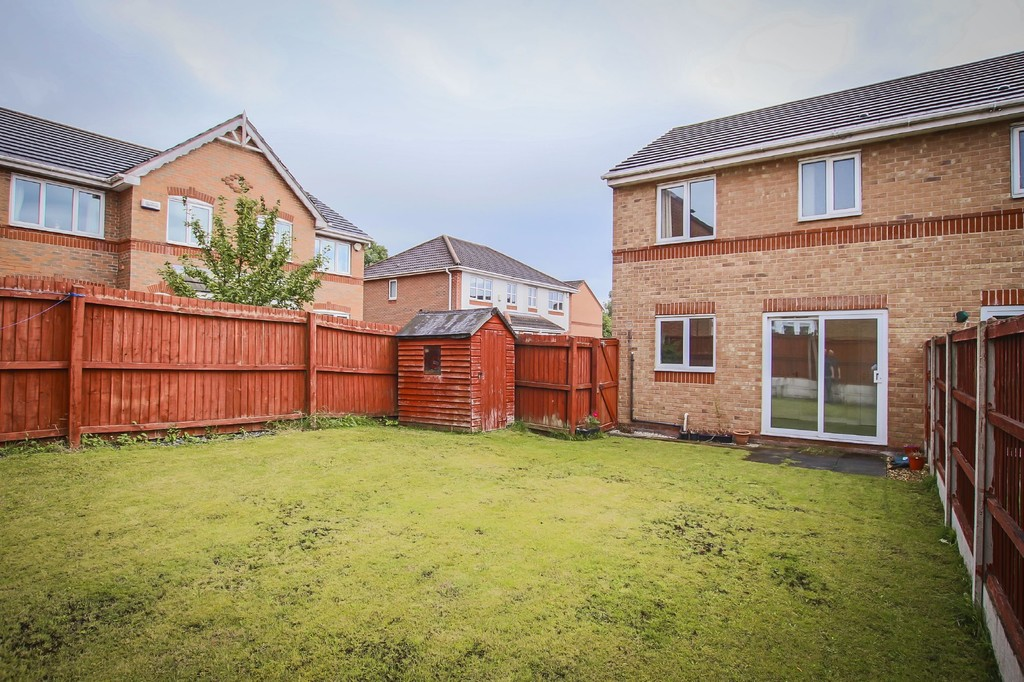 3 Bedroom Semi-detached House To Rent - Image 21