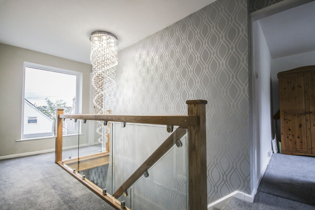 4 Bedroom Detached House To Rent - Image 13