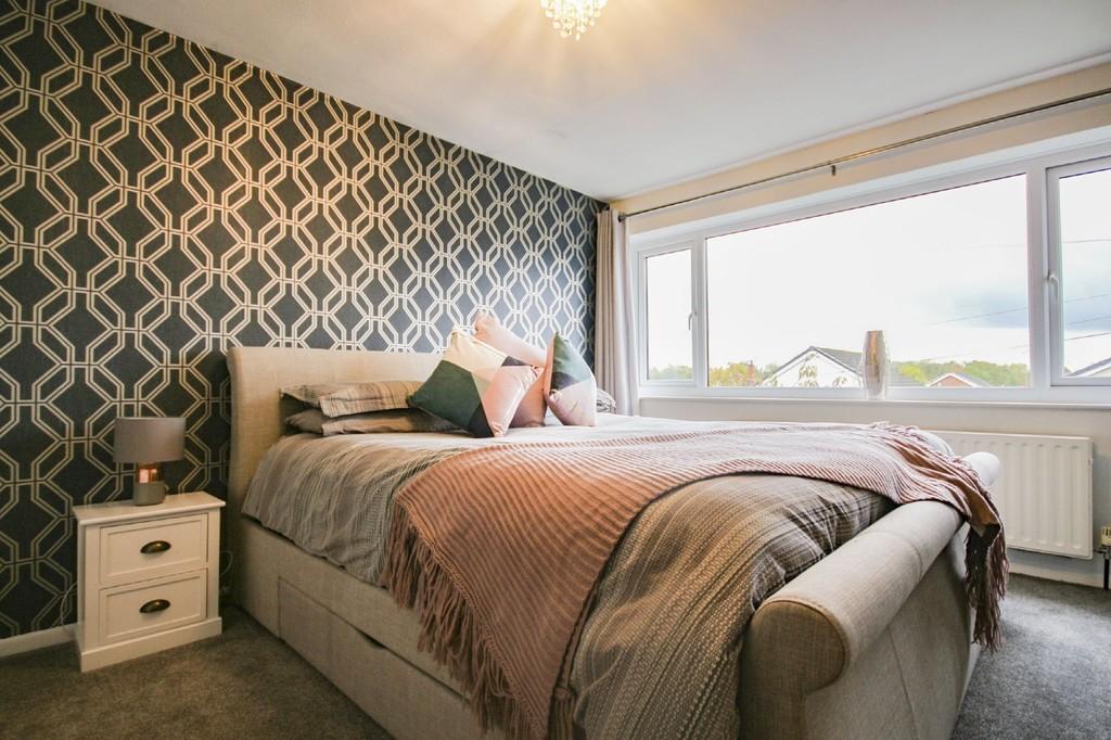 4 Bedroom Detached House To Rent - Image 10