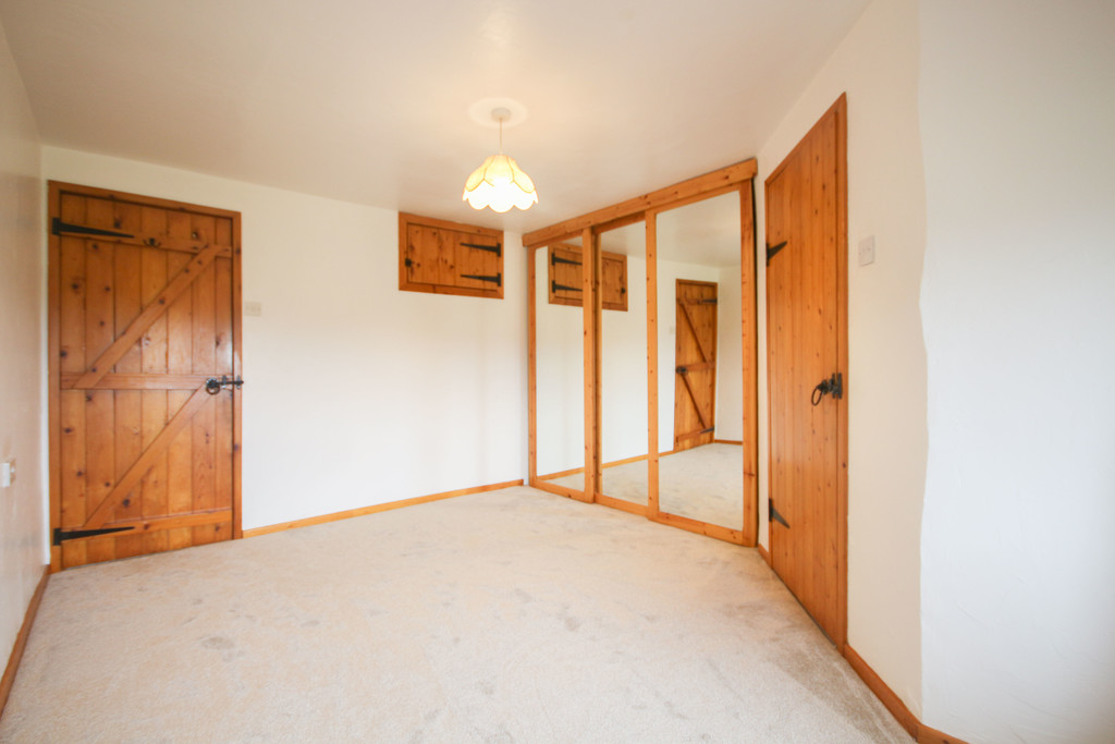 4 Bedroom Farm House To Rent - Image 7