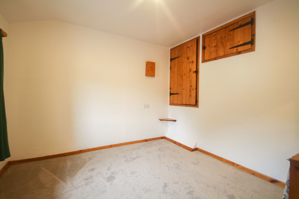 4 Bedroom Farm House To Rent - Image 13