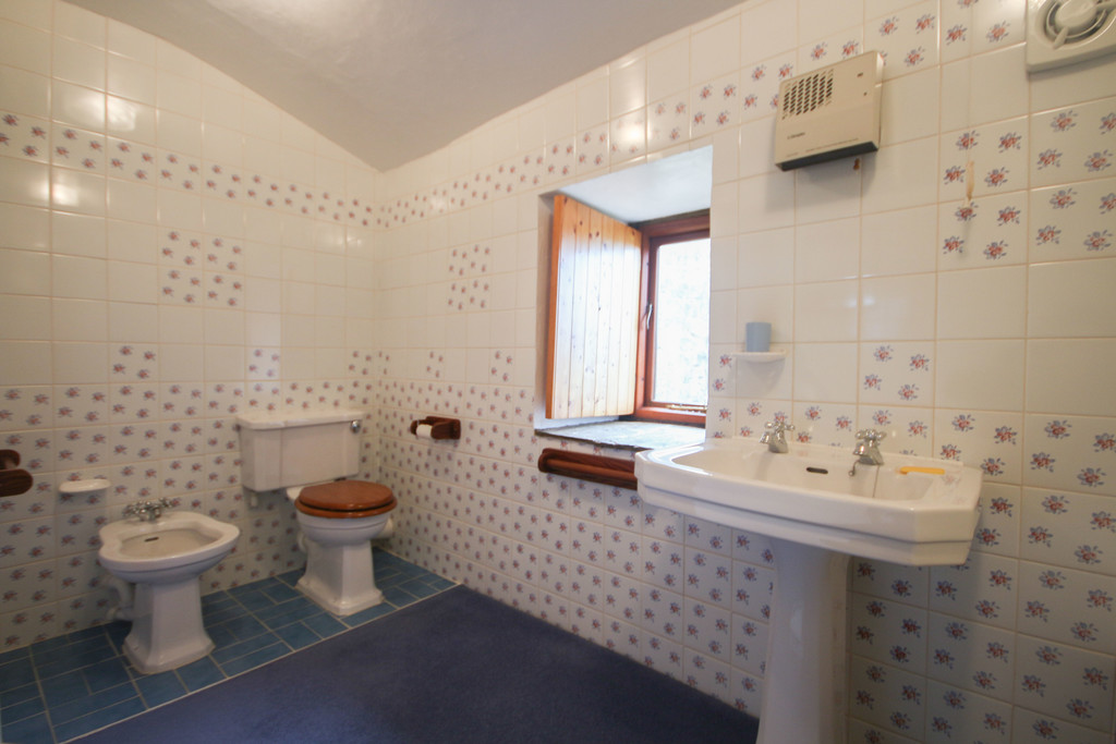 4 Bedroom Farm House To Rent - Image 14