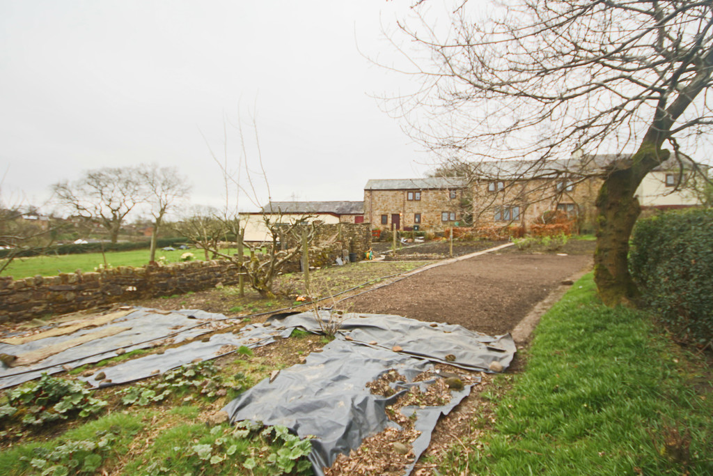4 Bedroom Farm House To Rent - Image 19