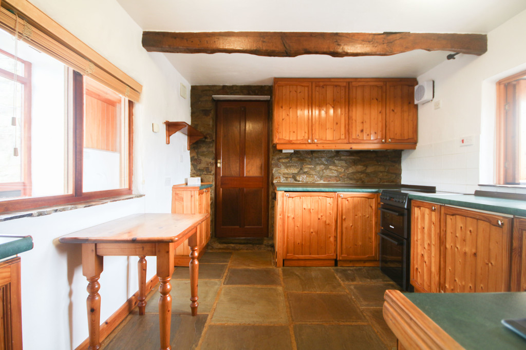 4 Bedroom Farm House To Rent - Image 4