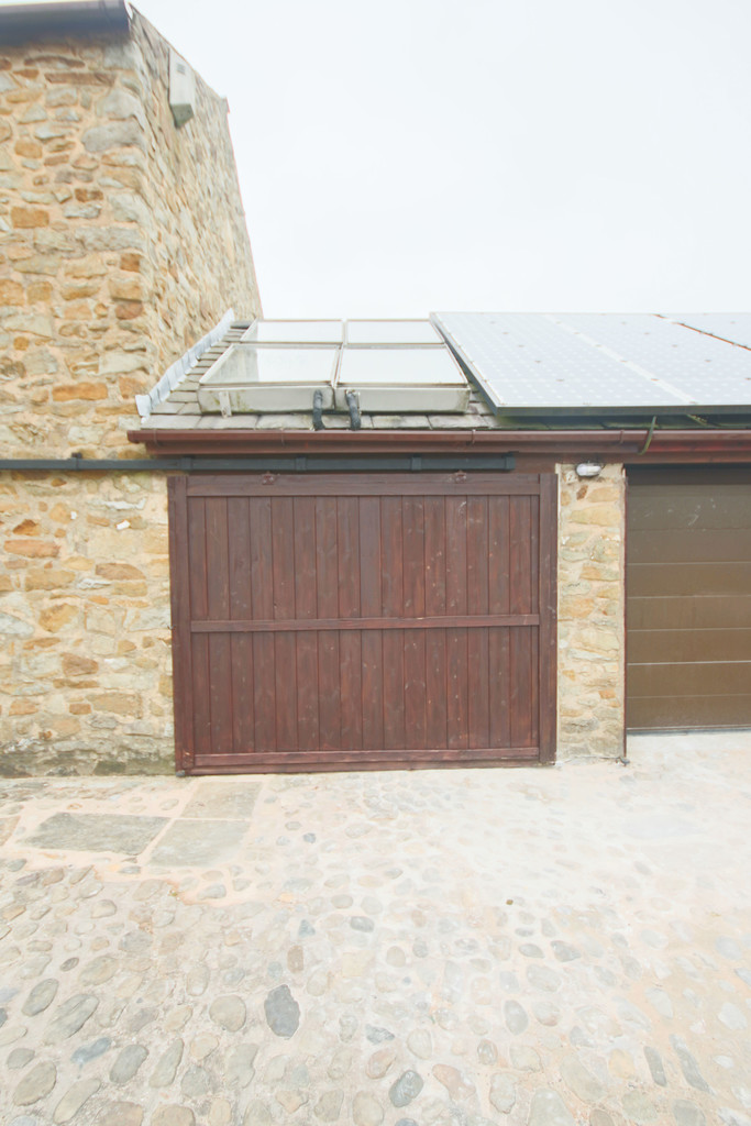 4 Bedroom Farm House To Rent - Image 26