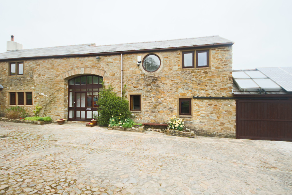 4 Bedroom Farm House To Rent - Image 8