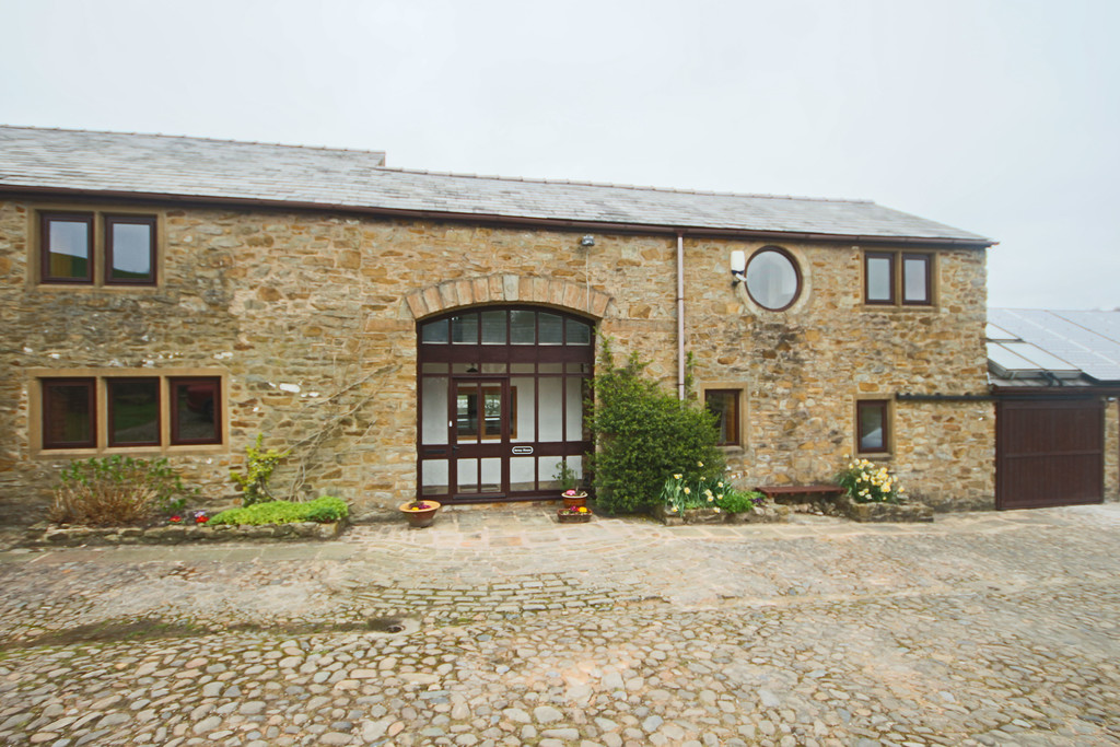 4 Bedroom Farm House To Rent - Image 23