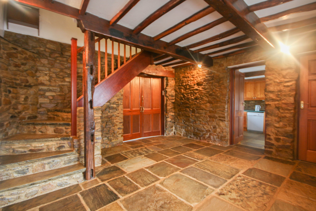 4 Bedroom Farm House To Rent - Image 2