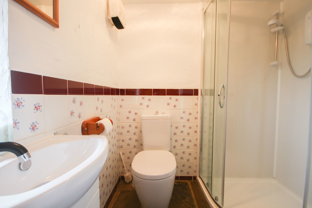 4 Bedroom Farm House To Rent - Image 5