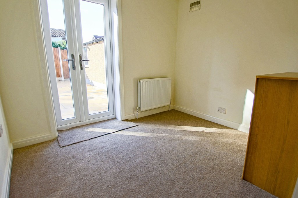 2 Bedroom Semi-detached Bungalow Bungalow To Rent - Image 10