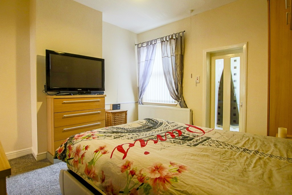 2 Bedroom Mid Terraced House To Rent - Image 17