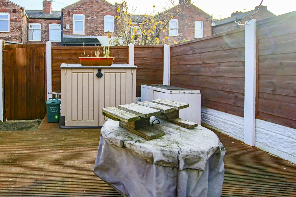 2 Bedroom Mid Terraced House To Rent - Image 20