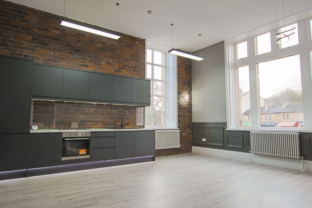 2 Bedroom Apartment Flat To Rent - Image 14