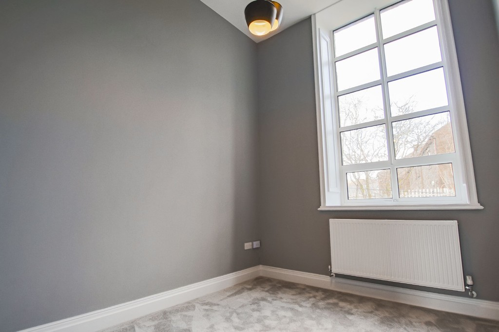 2 Bedroom Apartment Flat To Rent - Image 15