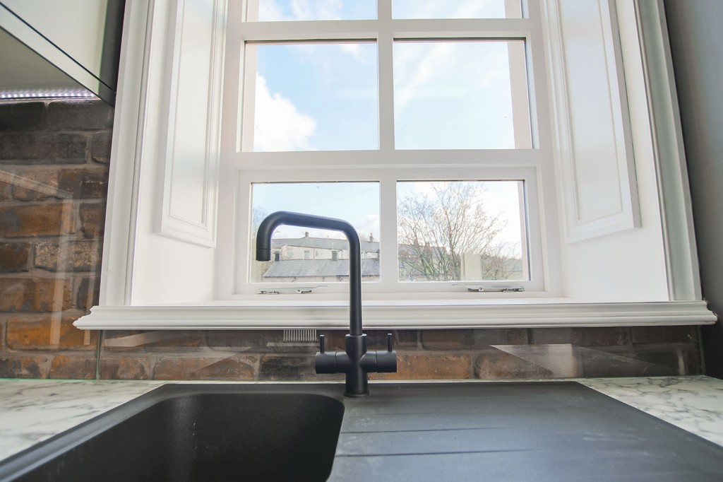 2 Bedroom Apartment Flat To Rent - Image 18