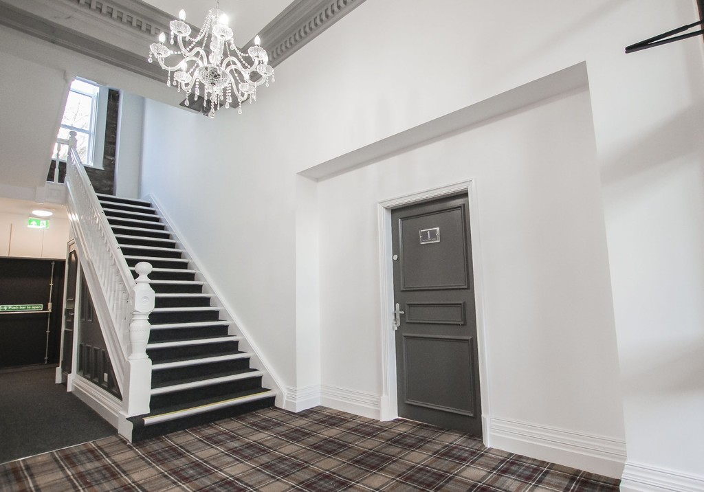 2 Bedroom Apartment Flat To Rent - Image 9