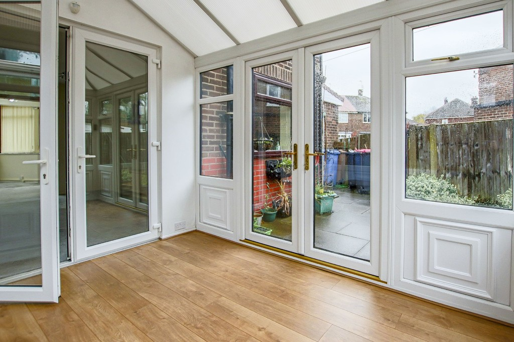 3 Bedroom Semi-detached House To Rent - Image 27