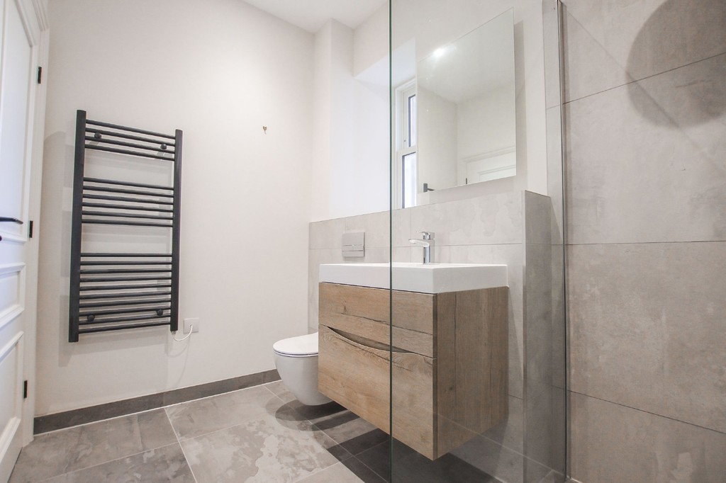 2 Bedroom Apartment Flat To Rent - Image 28