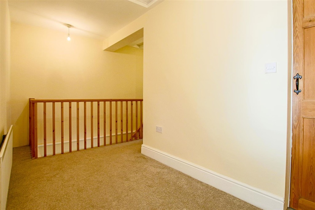 2 Bedroom End Terraced House To Rent - Image 9