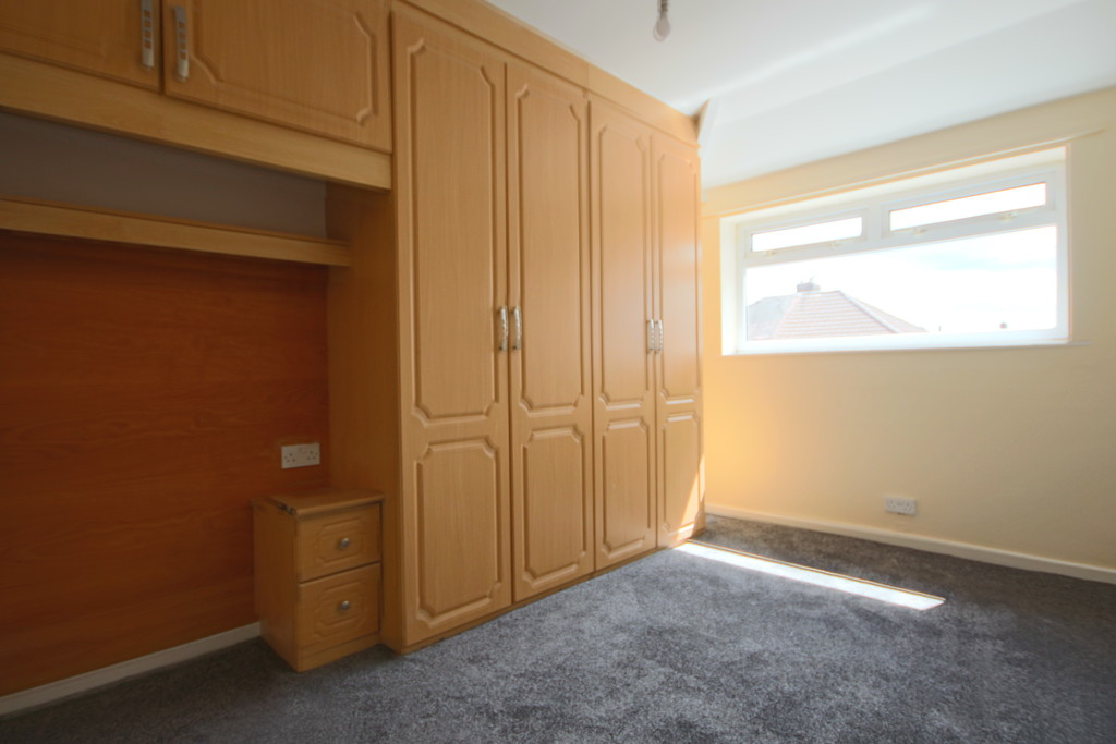 4 Bedroom Semi-detached House To Rent - Image 12