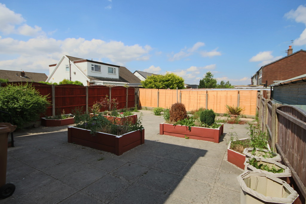 4 Bedroom Semi-detached House To Rent - Image 19