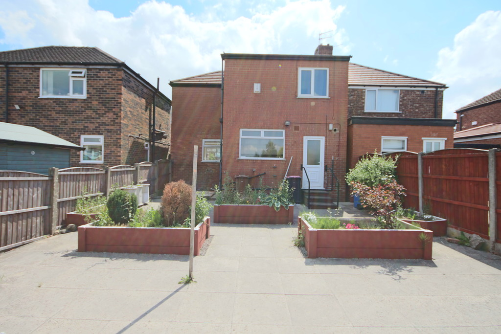 4 Bedroom Semi-detached House To Rent - Image 20