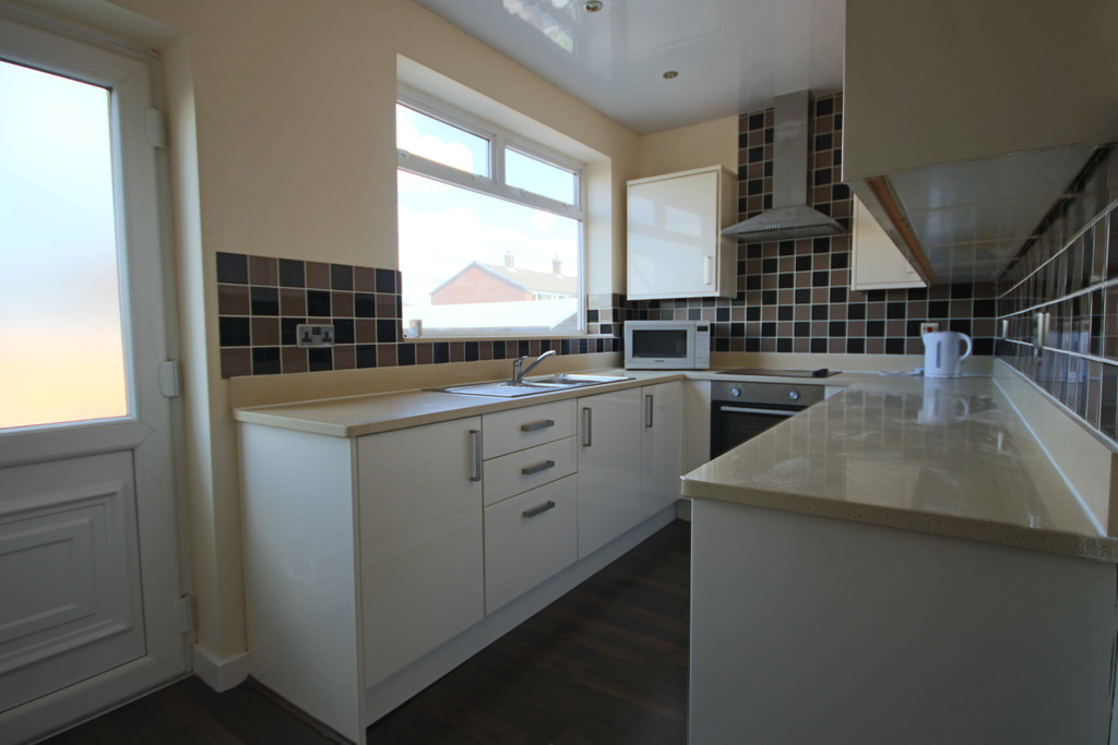 4 Bedroom Semi-detached House To Rent - Image 21