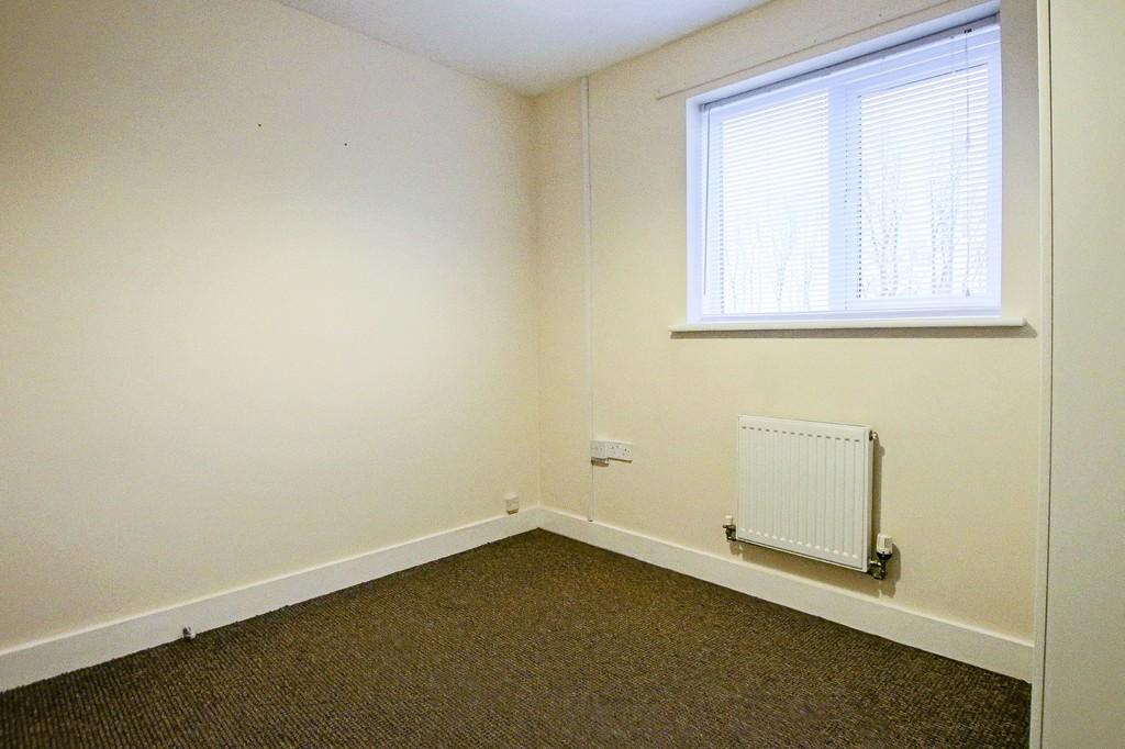 2 Bedroom Ground Floor Flat Flat To Rent - Image 15