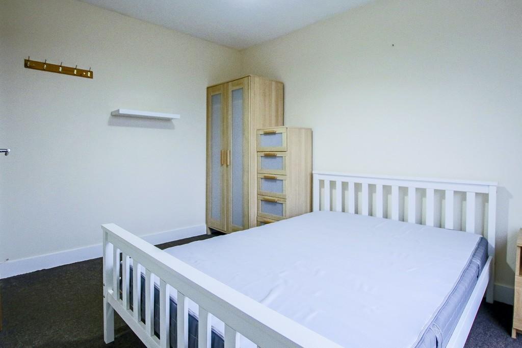 2 Bedroom Ground Floor Flat Flat To Rent - Image 16