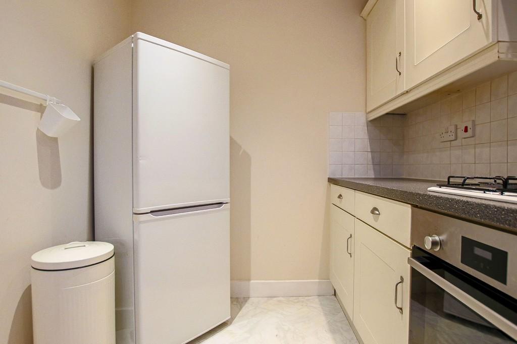 2 Bedroom Ground Floor Flat Flat To Rent - Image 12