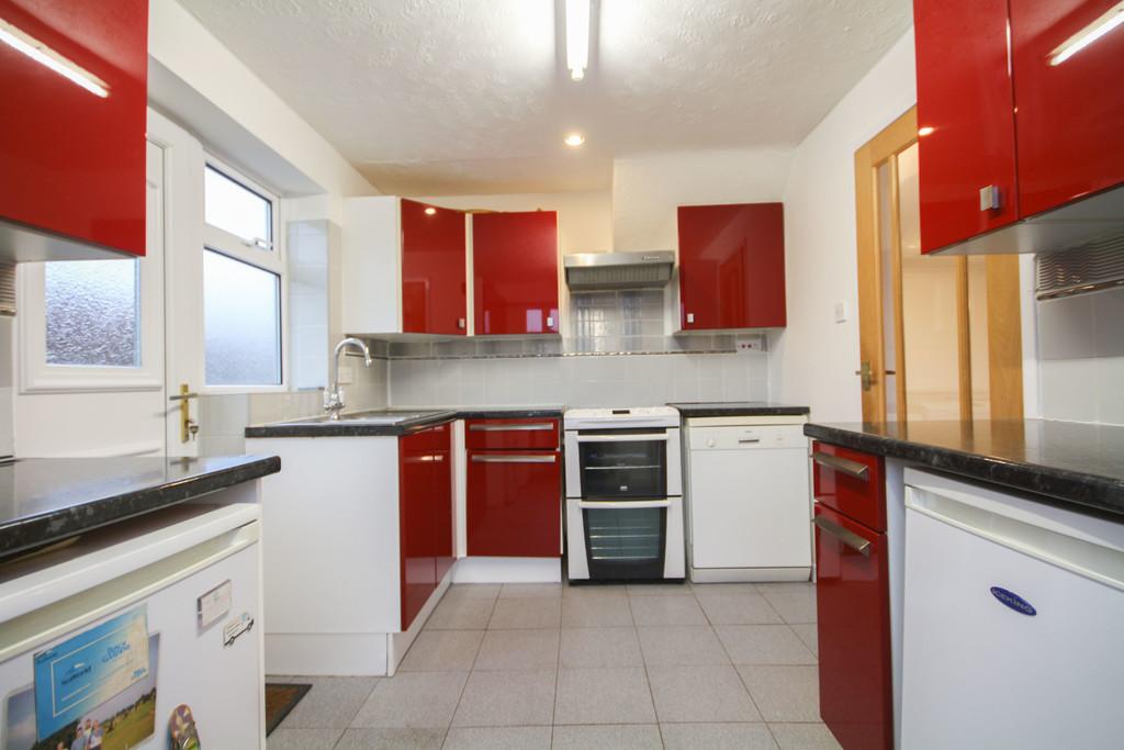 2 Bedroom Semi-detached Bungalow Bungalow To Rent - Image 3