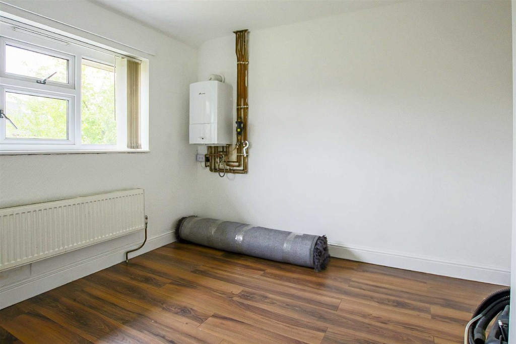 3 Bedroom End Terraced House To Rent - Image 8