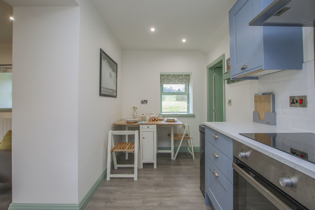 2 Bedroom Cottage House To Rent - Image 37