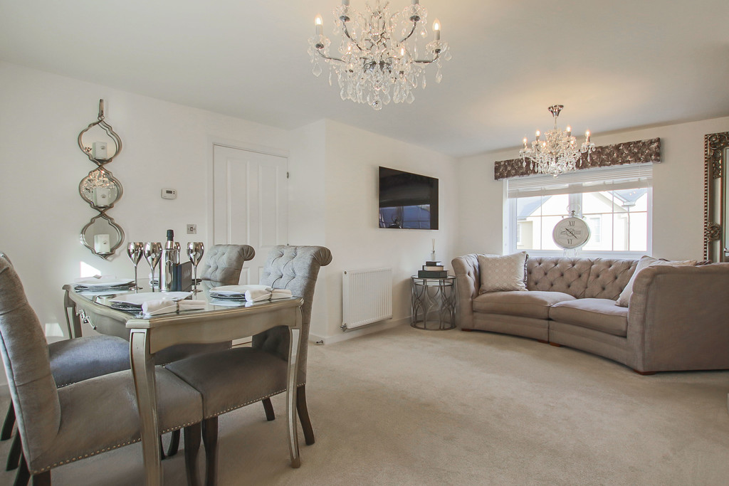 2 Bed Detached House To Rent - Main Image