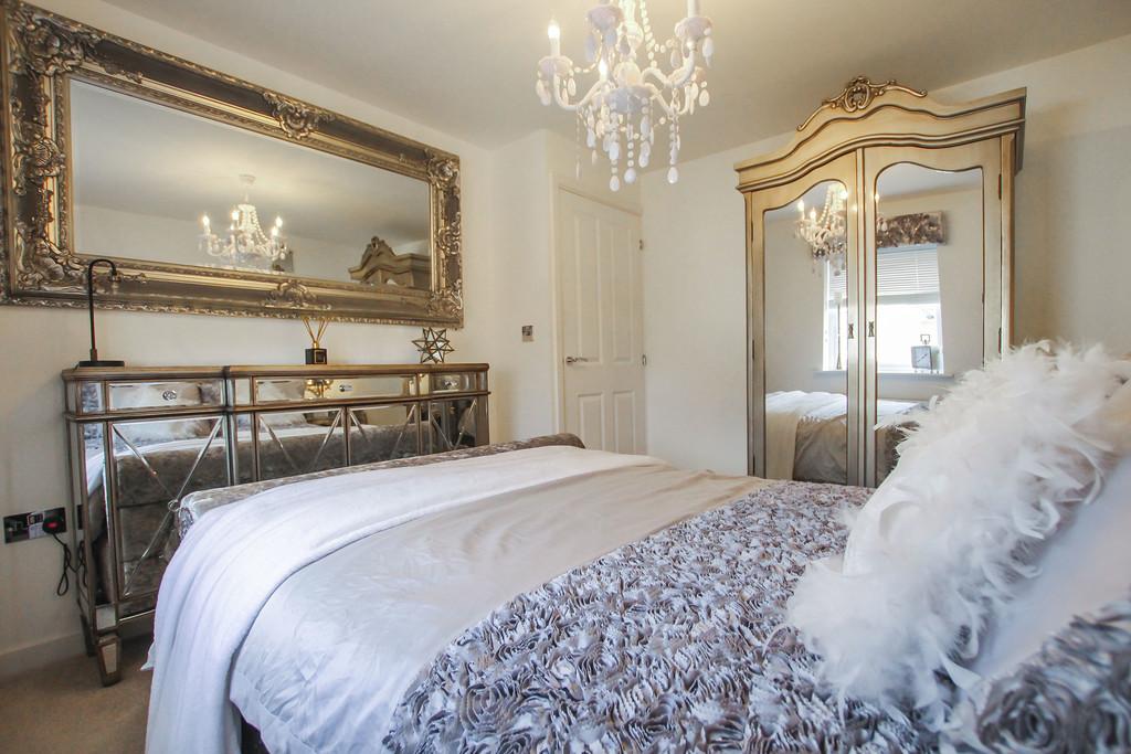 2 Bedroom Detached House To Rent - Image 8