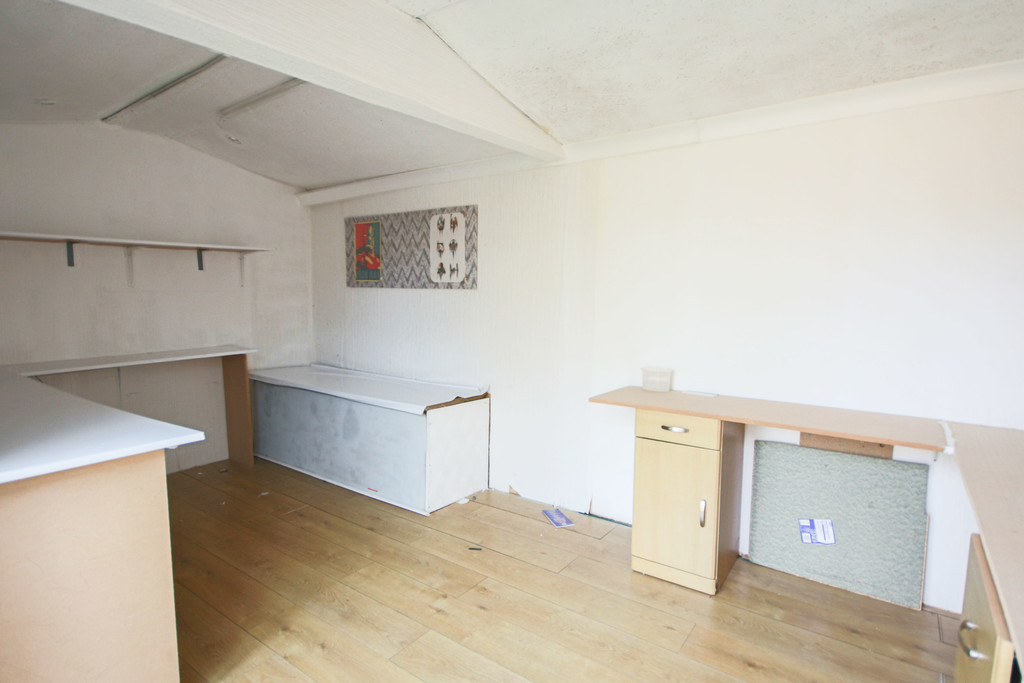 2 Bedroom Semi-detached House To Rent - Image 11