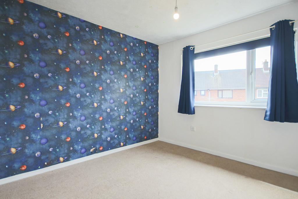 2 Bedroom Semi-detached House To Rent - Image 7
