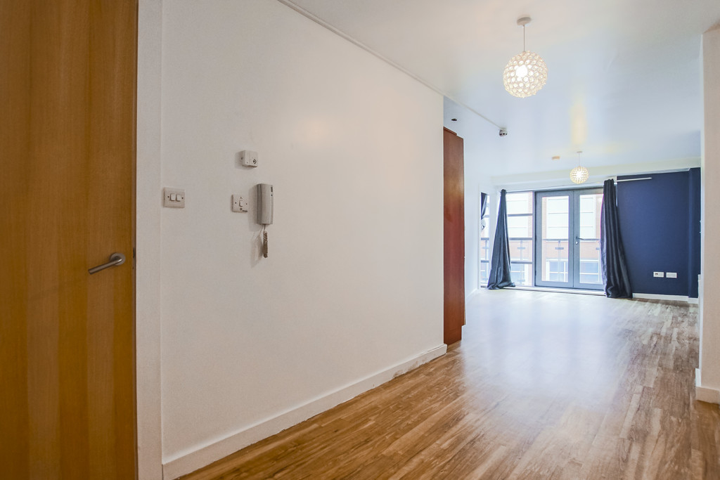 2 Bedroom Apartment Flat To Rent - Image 22