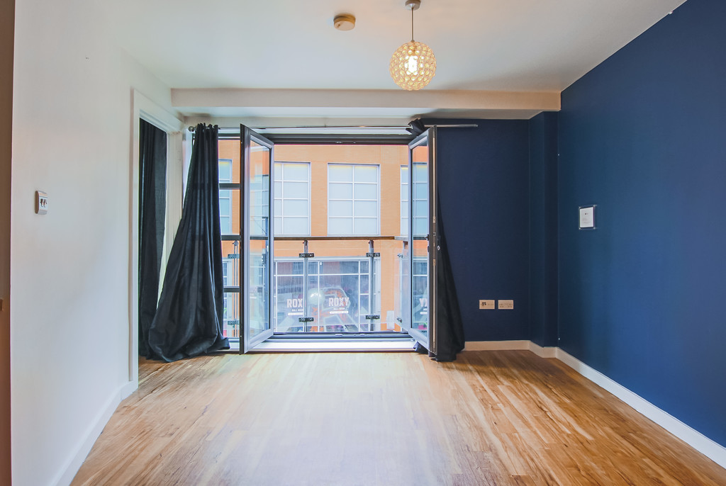 2 Bedroom Apartment Flat To Rent - Image 23