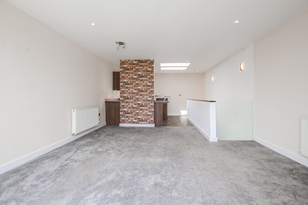 2 Bedroom Mews House To Rent - Image 21