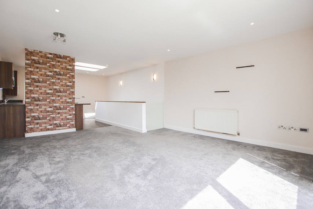 2 Bedroom Mews House To Rent - Image 15