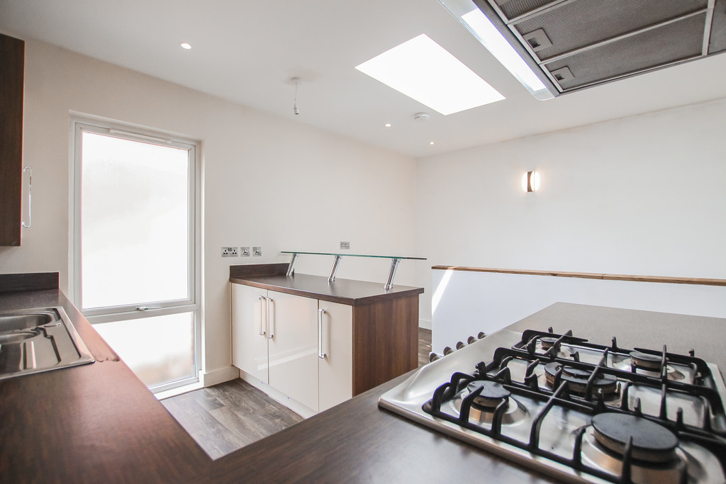 2 Bedroom Mews House To Rent - Image 22