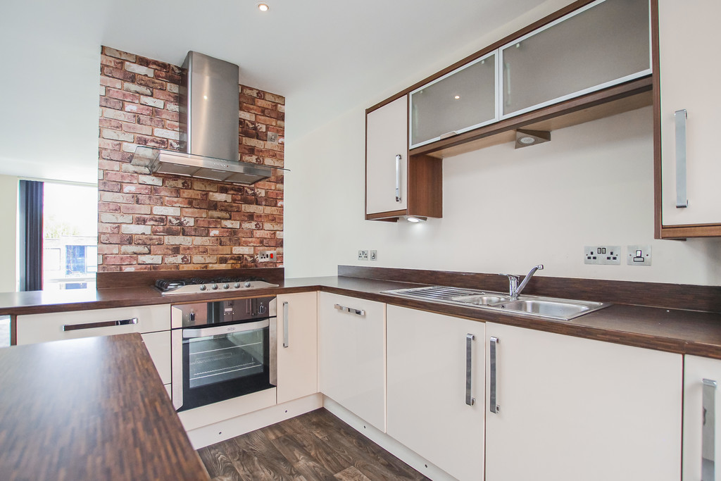 2 Bedroom Mews House To Rent - Image 35