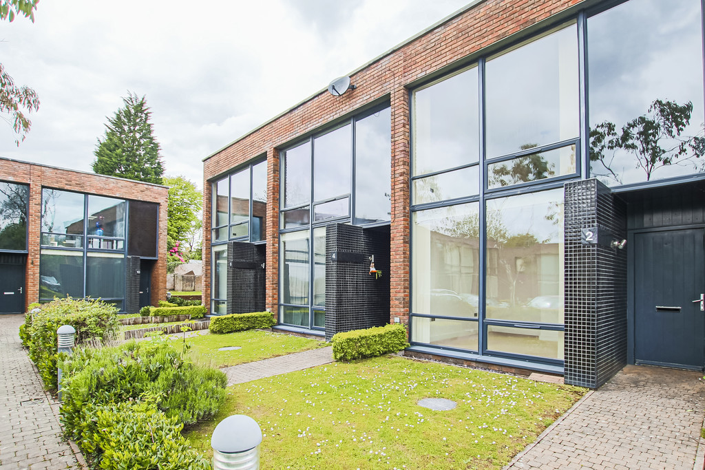 2 Bedroom Mews House To Rent - Image 7